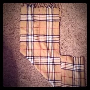 Unisex Burberry scarf